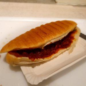 Broodje Bakkeljauw, bij Rendevouz in Heerenveen, ook thuisbezorgd